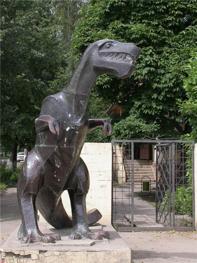 Тульский динозавр, он же Памятник Тёще