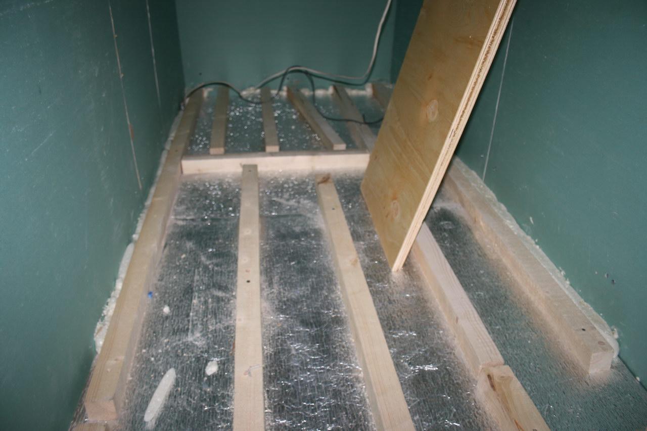 Лаги на балконе деревянный пол..