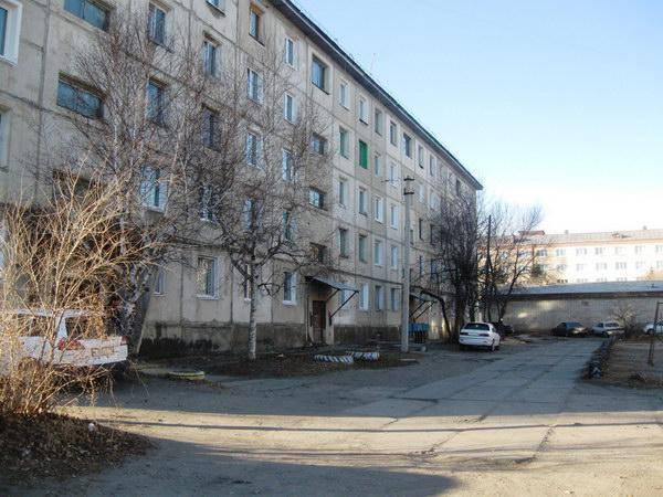 Дом №64, вид со стороны первого подъезда