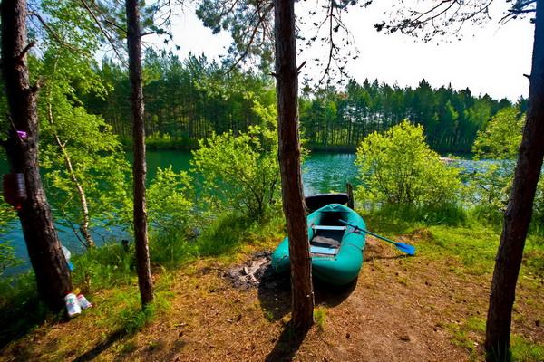 Олег лодку привёз