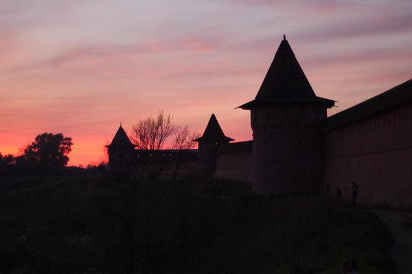 Крепость в Суздале. Она же - мужской монастырь