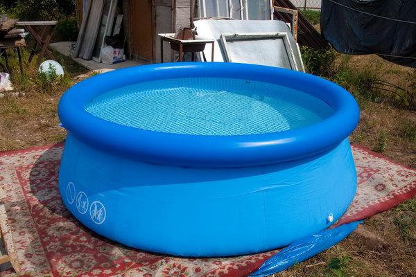 Полный бассейнчик