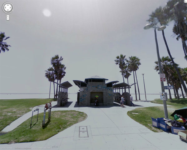 Вот эта будка на гугловских улицах