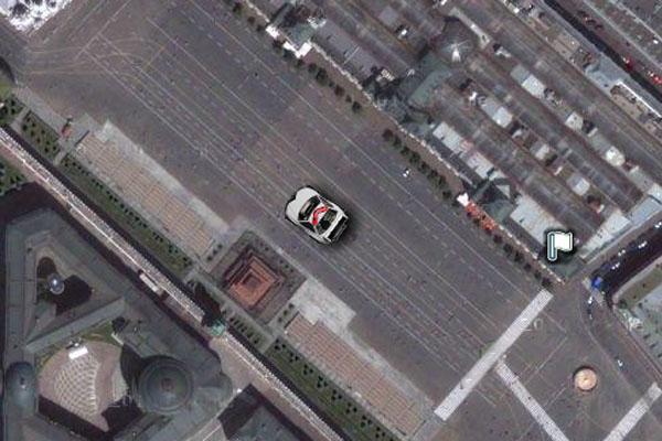 покататься на машинке q-steer по карте Google Maps